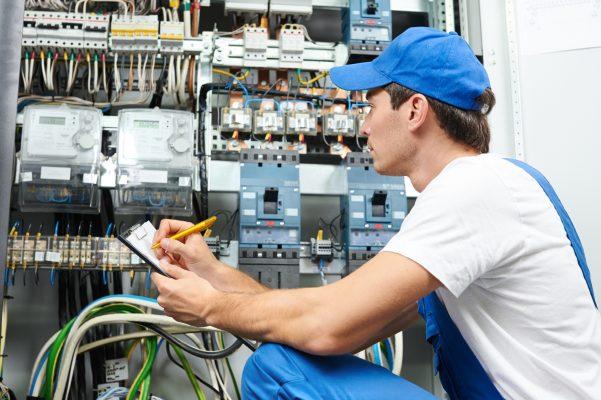 Witt Personalservice Jobs in Lübeck als Elektroniker für den Schaltschrankbau